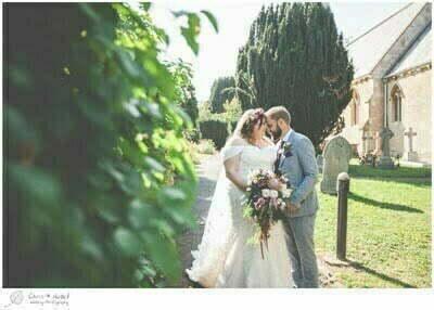 Thumbnail Chloe and Ian, Wiltshire Wedding Photography